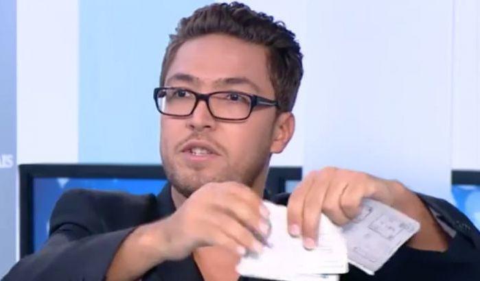 """حقيقة زكرياء مومني.. فيديو على مواقع التواصل الاجتماعي يكشف """"زْعِيتْ""""  البوكسور المغمور ويعري حقيقته أمام المغاربة - أنا الخبر"""