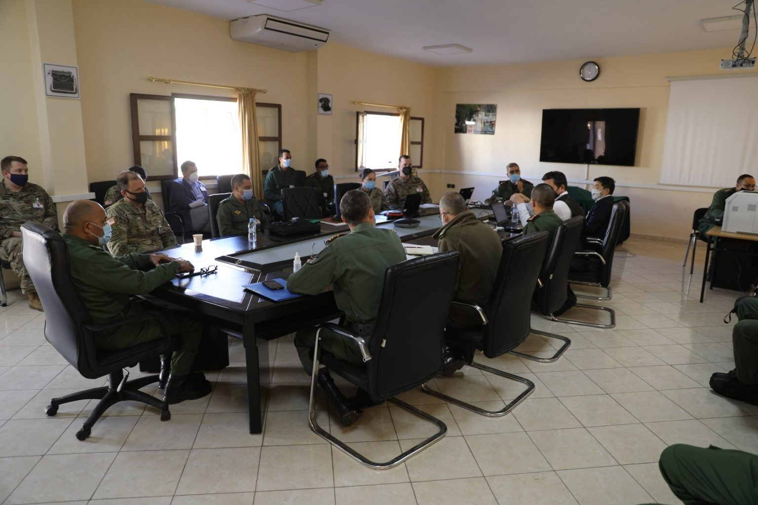 اجتماع في سناير بين قادة عسكريين امريكيين ومغاربة تحضيرا لمناورات الأسد الافريقي (FAR)