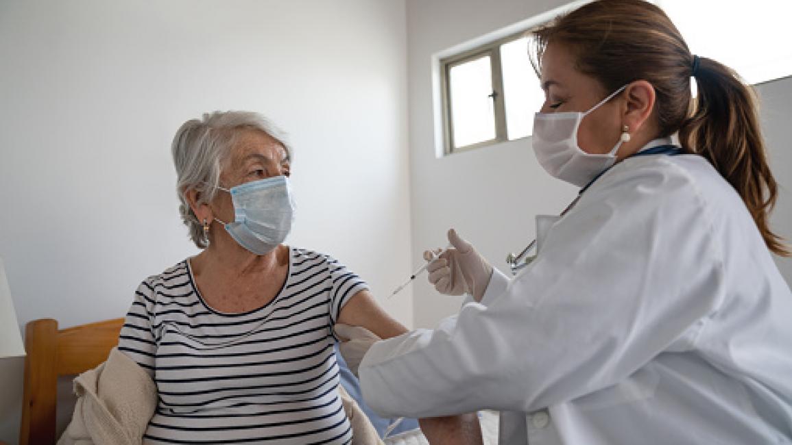"""وكالة الأدوية الأوروبية تدخل على خط تعليق 3 دول أوروبية لقاح """"أسترازينيكا"""""""