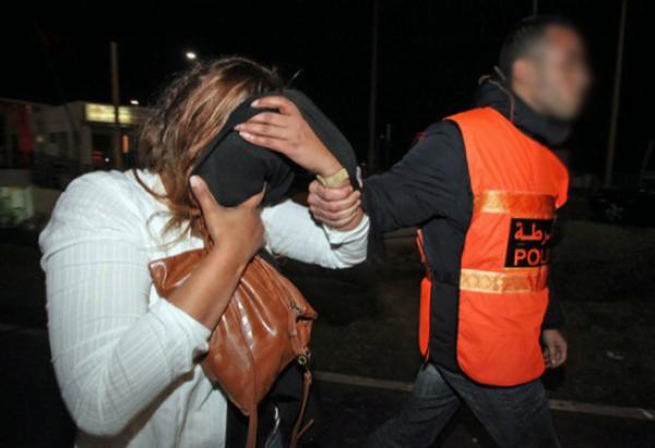 تمكنت عناصر المصلحة الولائية للشرطة القضائية بمدينة مراكش، يوم أمس الخميس 11 مارس الجاري، من توقيف شخص وزوجته، يبلغان من العمر 48 و24 سنة