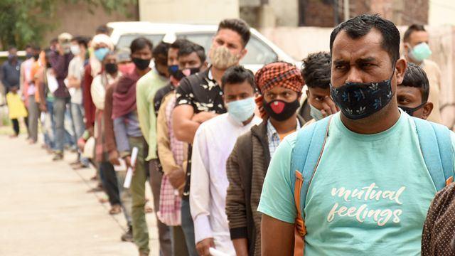 ارتفاع كبير لحالات كورونا بالهند