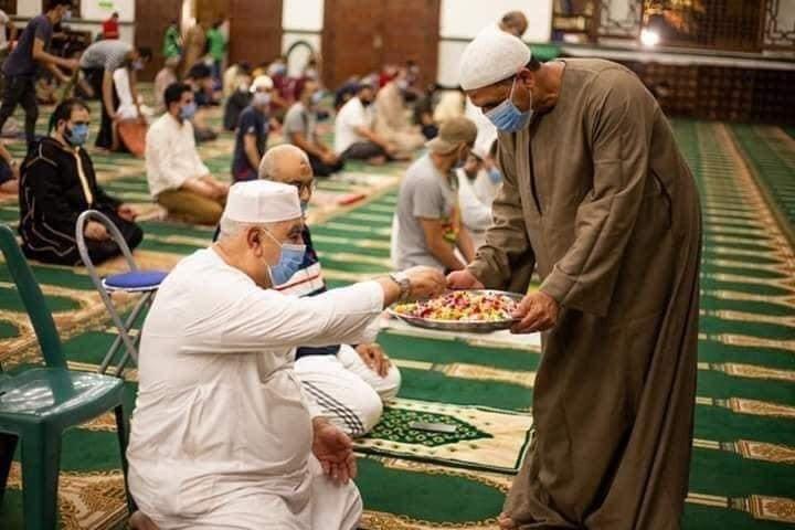 دول عربية بدأت تعلن أولى أيام رمضان
