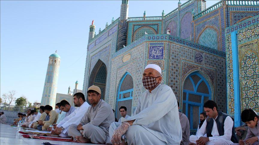 دول عربية بدأت تعلن عن الغاء صلاة العيد